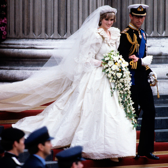 The Story Behind Princess Diana S Iconic Wedding Dress Martha