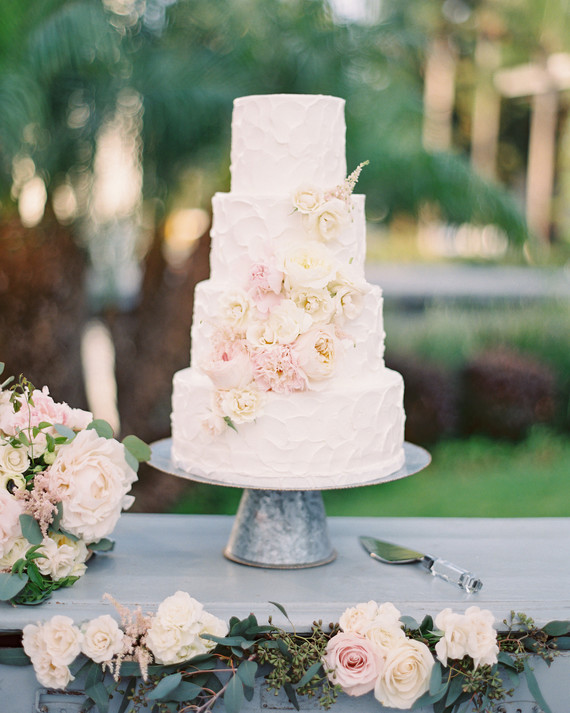 The Prettiest Spring Wedding Cakes