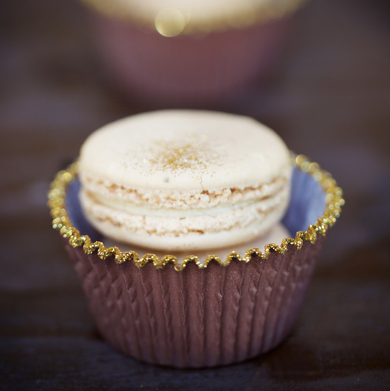 Macarons with glitter