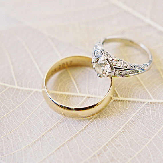 How to Choose a Mixed Metal Engagement Ring and Wedding Band Pairing ...