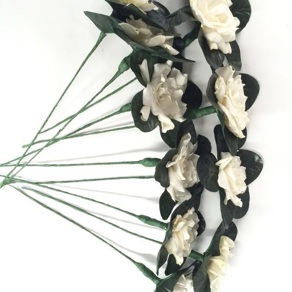 ron-wendt-cascading-bouquet-gardenias-3-0616.jpg