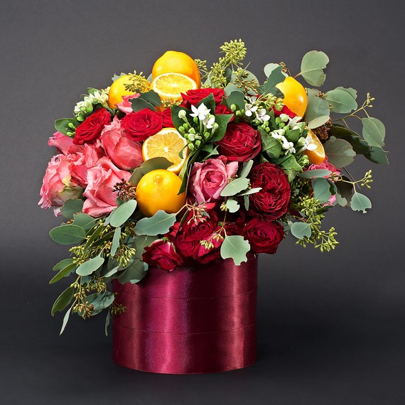 citrus centerpiece roses lemon pink vase