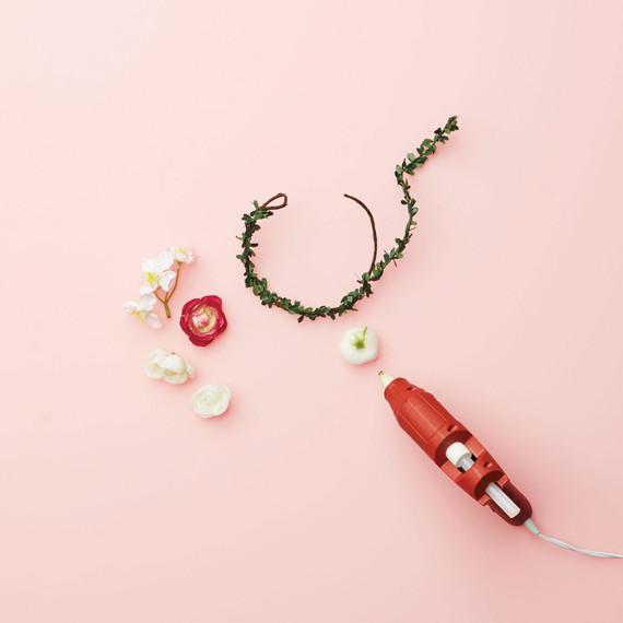 workbook-diy-flower-girl-floral-crown-d112701.jpg