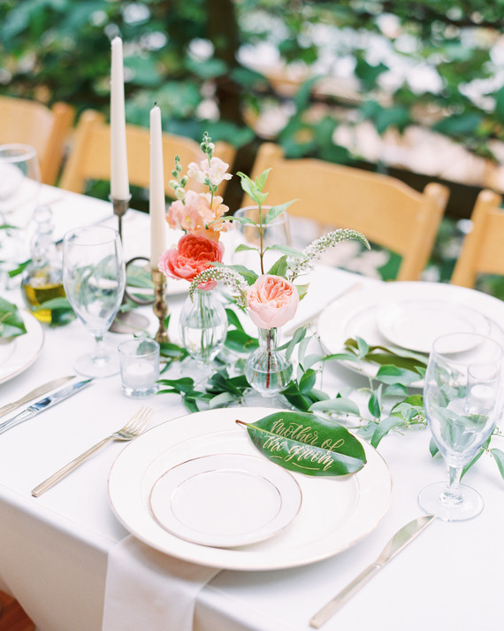 36 Simple Wedding Centerpieces We Love