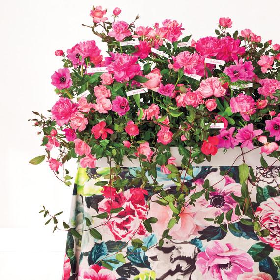 escort-card-table-pink-flowers-v1-0031-d111716.jpg