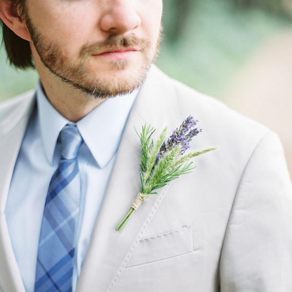 jackie dave wedding boutonniere
