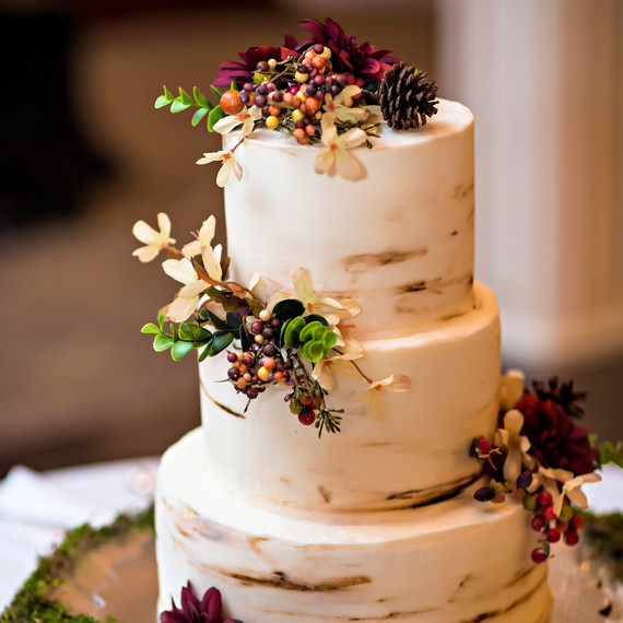 Fun Wedding Cake Ideas: Unique Flavor Combinations For Your Fall Wedding Cake