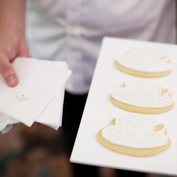 kate-spade-martha-weddings-baked-350-cookies-0516.jpg