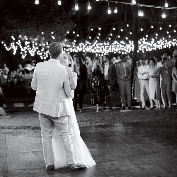 When Should Your First Dance Take Place Martha Stewart Weddings