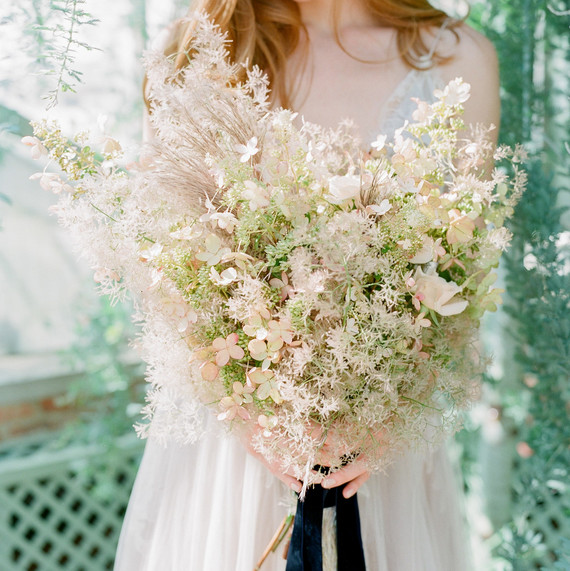 Navy and White Wedding inspiration Shoot at Wave Hill, Wispy Bouquet