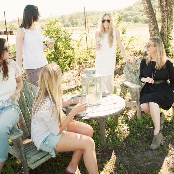 eatsleepwear-napa-valley-bachelorette-party-friends-outdoor-0415.jpg