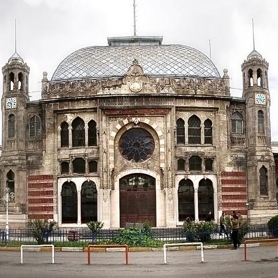bridal-beauty-diaries-tiana-post11-istanbul-sirkeci-train-station-1114_vert.jpg