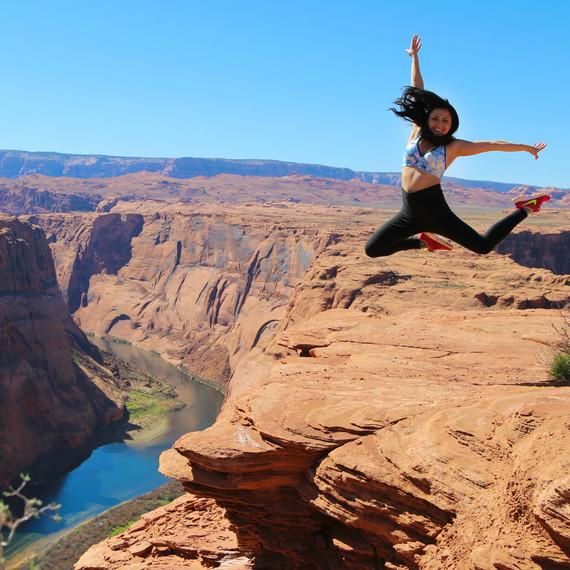 travel-blogger-qa-horseshoe-bend-arizona-stephbetravel-misschloelynn-1115.jpg