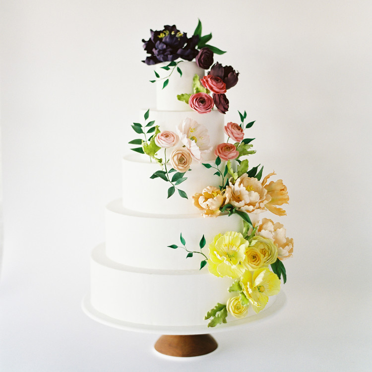 Classic White Cake with Flowers, Fall Wedding Trends