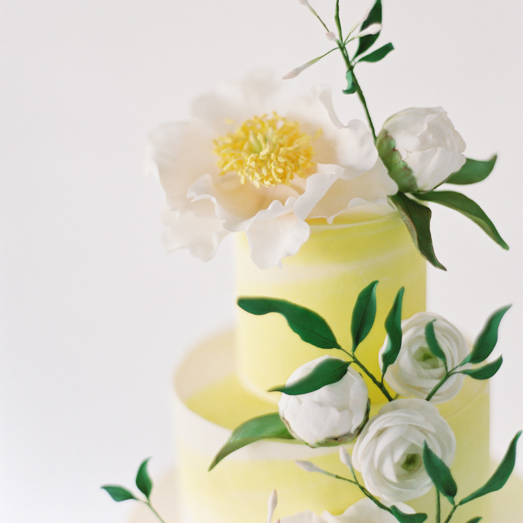 Sugar Peony Close-Up Detail, Fall Wedding Cake Trends