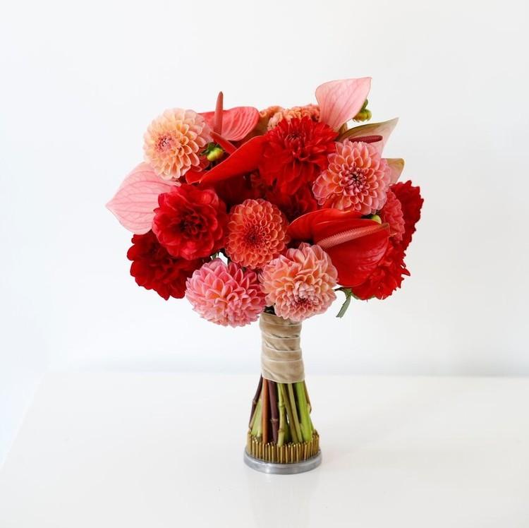 wedding dress-inspired bouquet fall 2018 monique lhuillier
