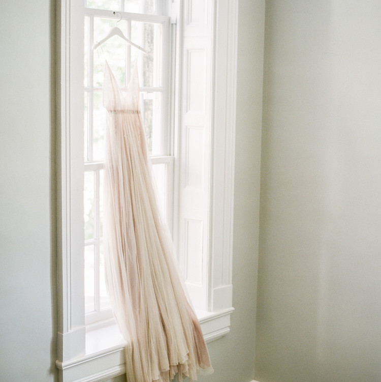 Navy and White Wedding inspiration Shoot at Wave Hill, Wedding Dress