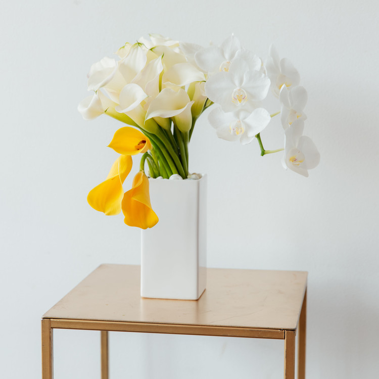 Calla lillies floral arrangements